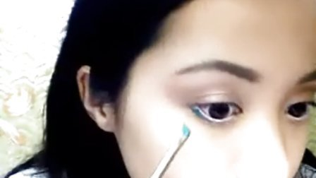 美女Michelle Phan视频展示化妆术