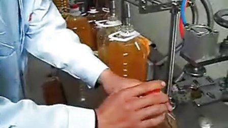 玉米油灌装机|花生油灌装机|菜籽油灌装机|核桃油灌装机|芝麻油灌装机