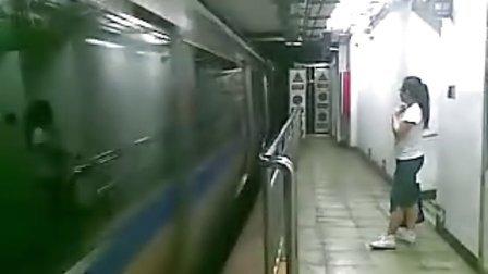 北京地铁2号线出站