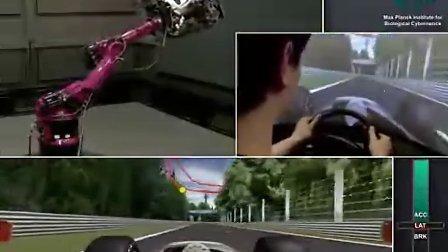 牛人将机械臂改造为赛车模拟器!