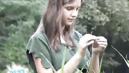 俄罗斯少女萝莉野外写真.