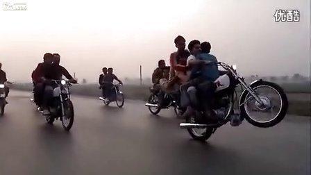实拍 巴基斯坦开挂摩托车