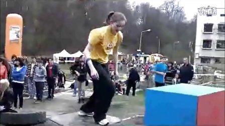 奥运无处不在 女孩展现运动本真之美