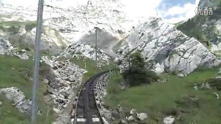 """为吸引阿尔卑斯山的游客而""""斗法"""""""