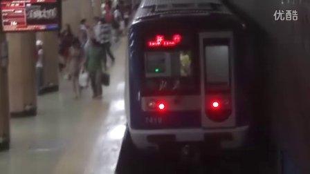北京地铁2号线西直门出站