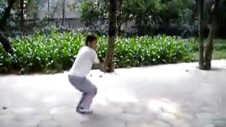 自然门第五代弟子刘德阜练六合拳