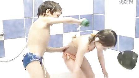 Child-World.info_CW-CustomVideo0083-Anna-5yo_(ptsc feet child)