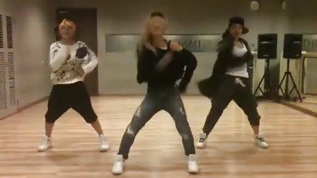 girl2school组合鬼街舞练习自拍