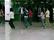 [自拍]一群学生妹在练热舞