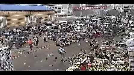 监拍岳阳海泰黑社会殴打肉贩 遭群众愤怒围堵
