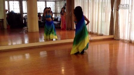 Min舞肚皮舞纱巾课程。