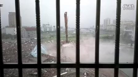 从头到尾看实拍记录水塔的倒掉 拆迁过程-2