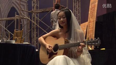 婚礼彩排,吉他新娘自弹自唱《哭嫁》,惊艳的忧伤