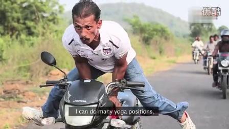 实拍牛人展神技!瑜伽姿势开摩托车视频