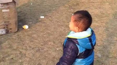 第一次在公园玩泡泡