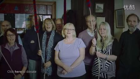 暖人歌声:英国一个村全村居民大合唱筹款治疗癌症