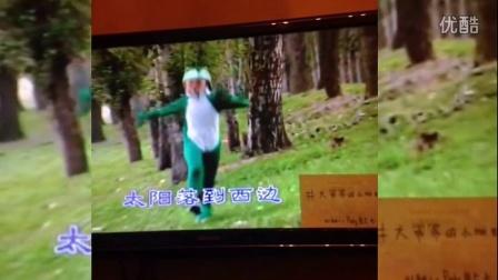 杨幂童年扮小蝴蝶激萌 搞笑称求视频种子 150121