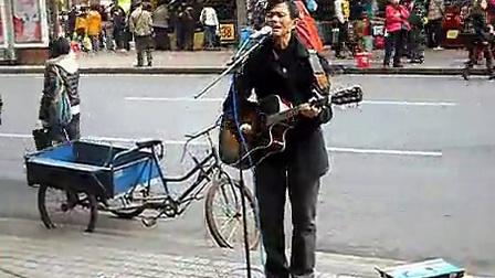广州残疾流浪歌手刘扬海街边精彩演唱<<祝你一路顺风>>--标清