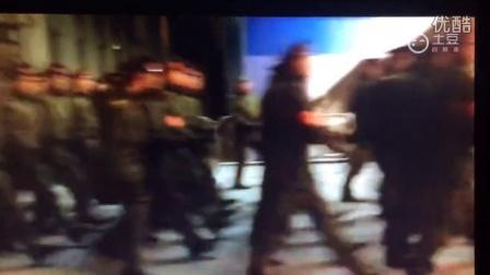 2015红场阅兵第二次彩排中国人民解放军三军仪仗队入场前俄语高唱喀秋莎
