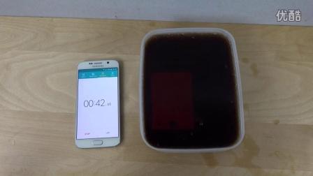 把三星S6泡在可乐里2分钟会发生什么?