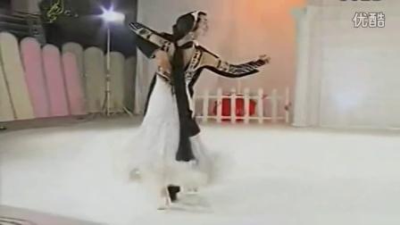 跳国标舞姿态的基本要求有哪些?