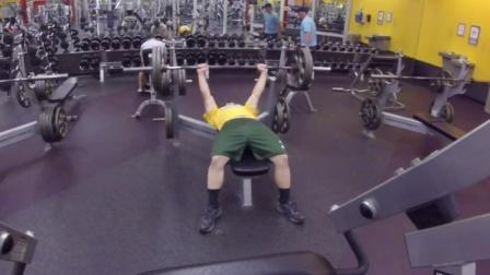 太励志了!肥仔一年变肌肉型男