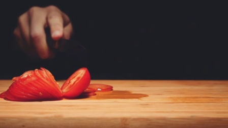 一个倒放切番茄的过程。。。看过的人都说爽到被治愈