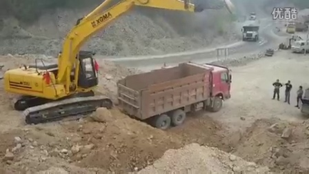 厦工智能挖掘机在矿山应用纪实02