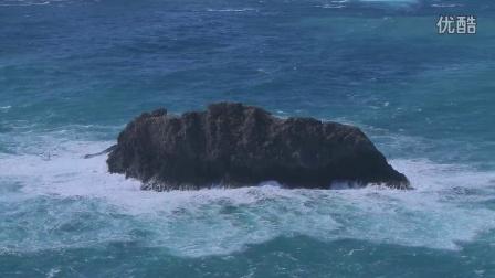 成百上千年海浪依旧拍打着岩石
