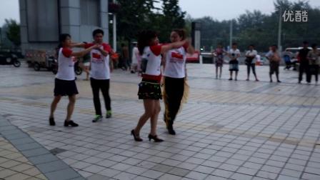 愛國人士跳激情廣場舞,宣傳保衛南海,牽動著中華每個人的愛國之心