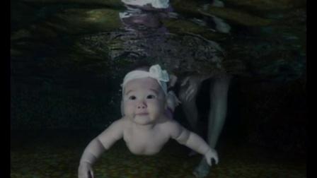 婴儿胎中游泳再现年轻孕妇必看教程视频
