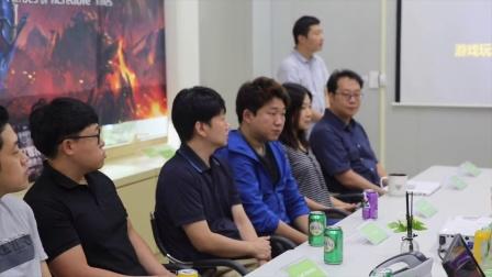 怎么感觉像是在拍韩剧 《HIT》圆桌会议准备开始