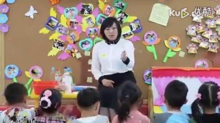 幼儿园中班美术活动《瓶子的五彩衣》