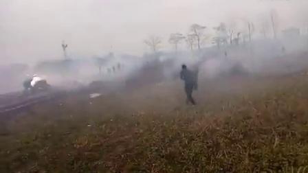 湖南永州两村村民斗殴,场面就像打仗一样