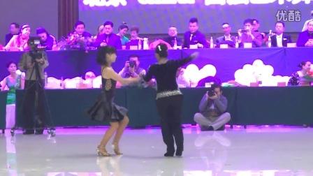 北京小卢老师和梅子老师在圆强艺术节上表演吉特巴(跳舞网录制)