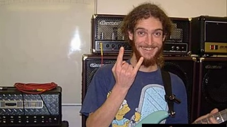 Guthrie Govan - Guitar Techniques - September 2003 - Soloing School