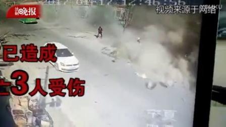 宁夏海原一货车撞进民房 致4死3伤