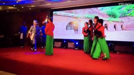 阆中展越艺术团迎春晚会 情景舞蹈《纺线线》