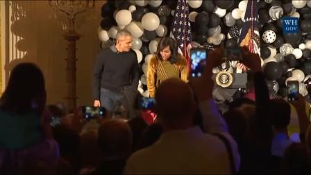 奥巴马夫妇万圣节跳MJ《颤栗》