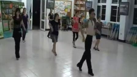 舞蹈老师教学-《摇啊摇》