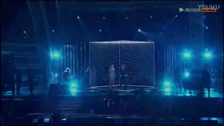 第59届格莱美颁奖典礼Keith Urban & Carrie Underwood《The Fighter》