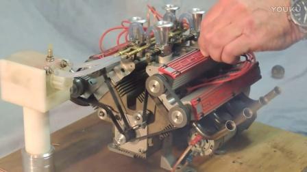 牛人自制的~V8发动机模型