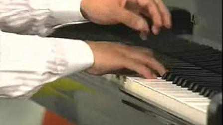刘聪钢琴即兴伴奏教程18