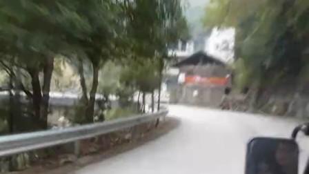Mountain roads between Guilin and Longsheng 01