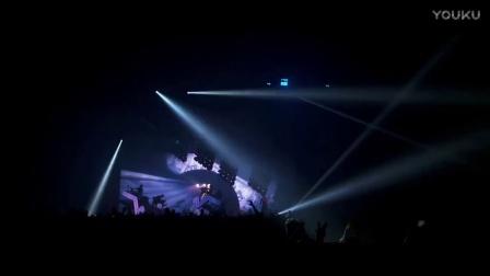 Stromae - Racine Carrée Live (Full Concert)-eOZLDQm9c2E