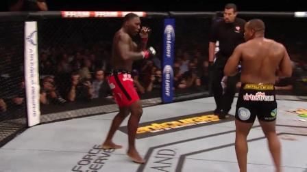 UFC210 预热 科米尔一番战疯狂压制减重哥