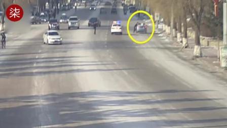 遮牌被查  司机开车拖拽交警200米后甩下.mp4