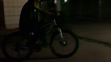 林兰肖学习驾驶自行车全过程20170402