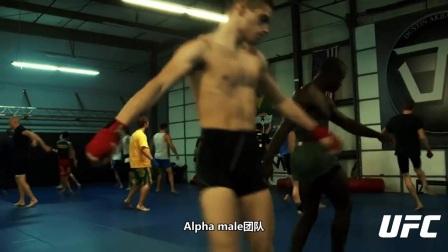 """小个子有大成就!""""加州小子""""菲波入选UFC名人堂"""