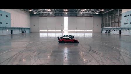 WEC阿斯顿·马丁车手玩转阿斯顿·马丁豪车